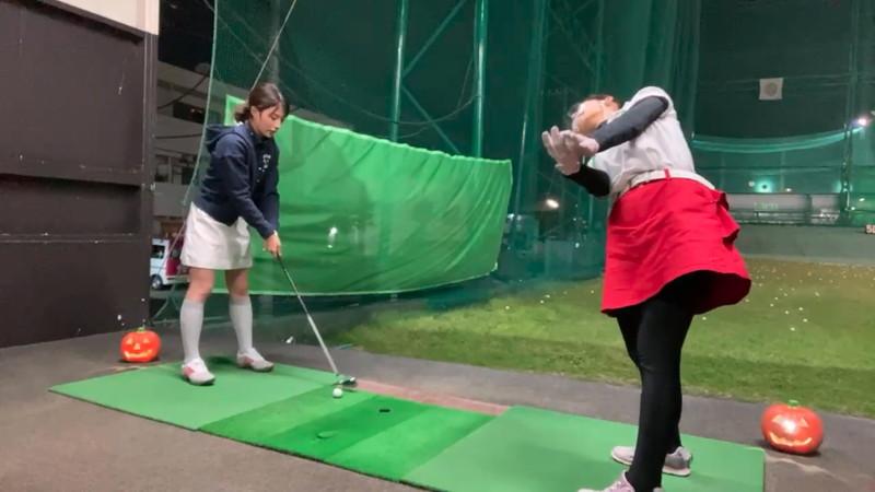 【女子アナキャプ画像】ゴルフでスカートひらひらさせてパンチラ寸前!? 03