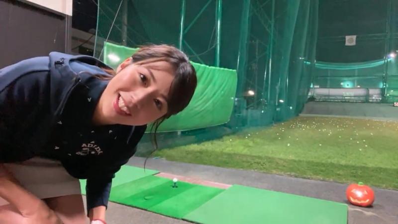【女子アナキャプ画像】ゴルフでスカートひらひらさせてパンチラ寸前!? 12