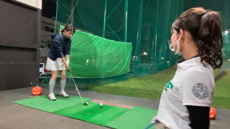 【女子アナキャプ画像】ゴルフでスカートひらひらさせてパンチラ寸前!? 13