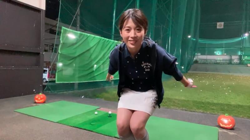 【女子アナキャプ画像】ゴルフでスカートひらひらさせてパンチラ寸前!? 14