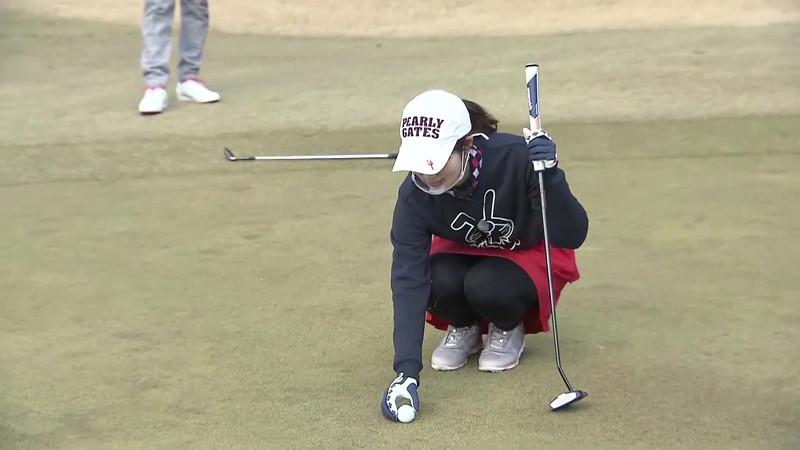 【女子アナキャプ画像】ゴルフでスカートひらひらさせてパンチラ寸前!? 17