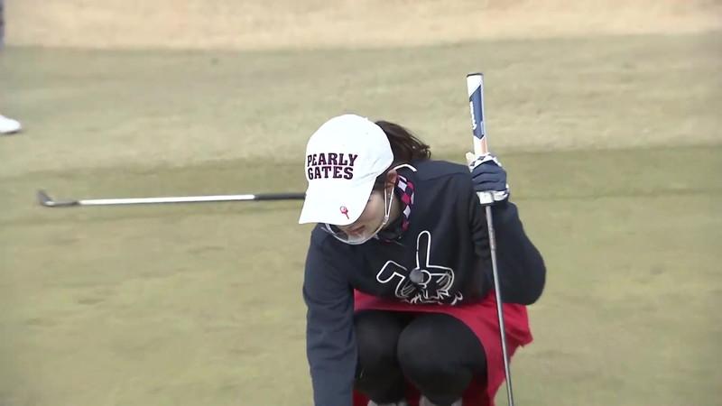 【女子アナキャプ画像】ゴルフでスカートひらひらさせてパンチラ寸前!? 19