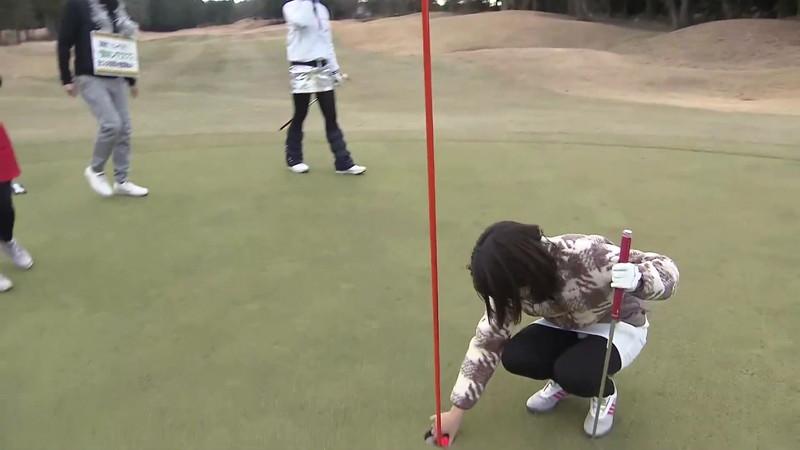 【女子アナキャプ画像】ゴルフでスカートひらひらさせてパンチラ寸前!? 26