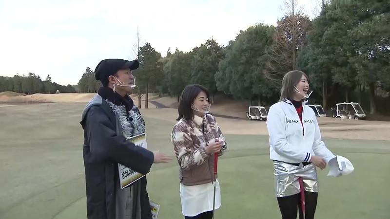【女子アナキャプ画像】ゴルフでスカートひらひらさせてパンチラ寸前!? 31