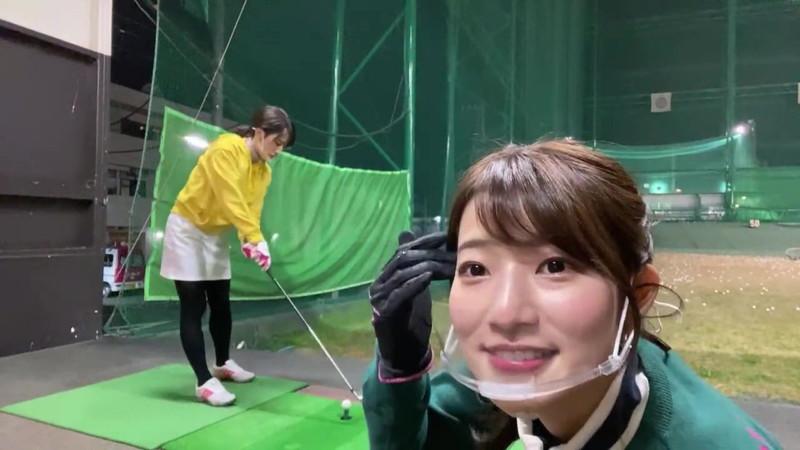 【女子アナキャプ画像】ゴルフでスカートひらひらさせてパンチラ寸前!? 33