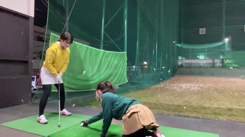 【女子アナキャプ画像】ゴルフでスカートひらひらさせてパンチラ寸前!? 36