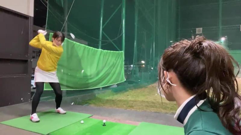 【女子アナキャプ画像】ゴルフでスカートひらひらさせてパンチラ寸前!? 37