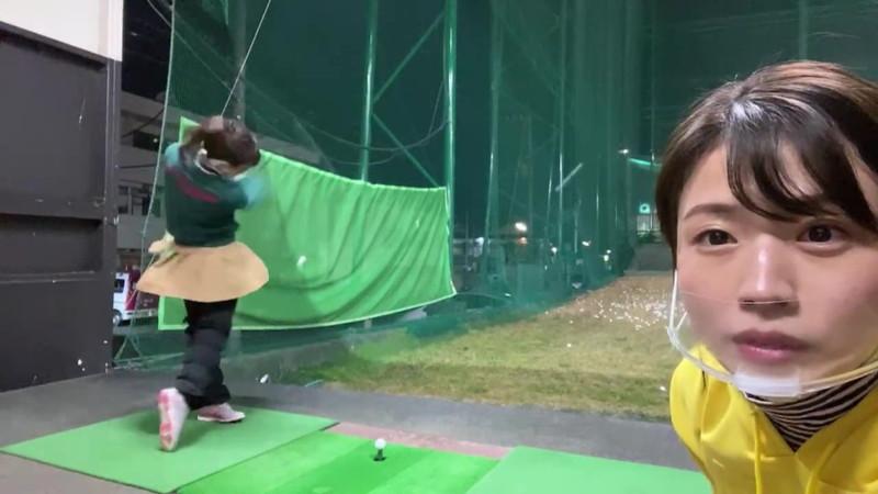 【女子アナキャプ画像】ゴルフでスカートひらひらさせてパンチラ寸前!? 39