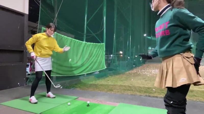 【女子アナキャプ画像】ゴルフでスカートひらひらさせてパンチラ寸前!? 45