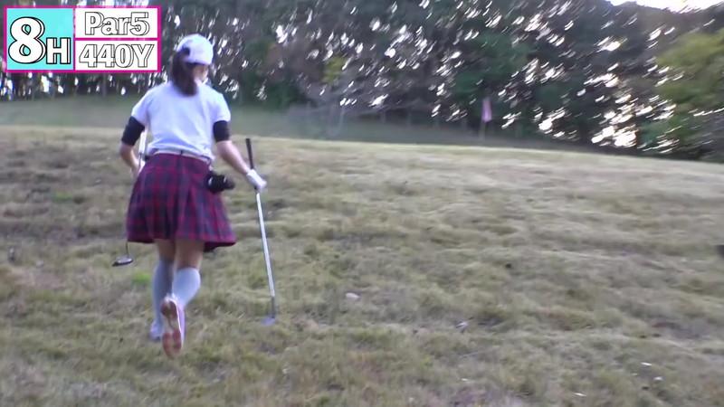 【女子アナキャプ画像】ゴルフでスカートひらひらさせてパンチラ寸前!? 83