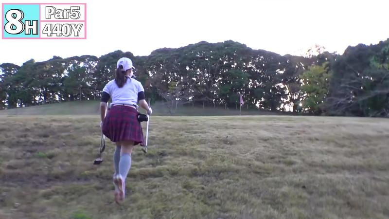 【女子アナキャプ画像】ゴルフでスカートひらひらさせてパンチラ寸前!? 84