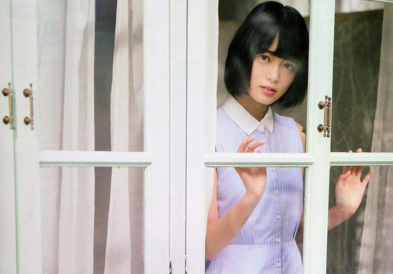 【平手友梨奈グラビア画像】ショートヘアが似合って可愛い元欅坂46アイドル 06