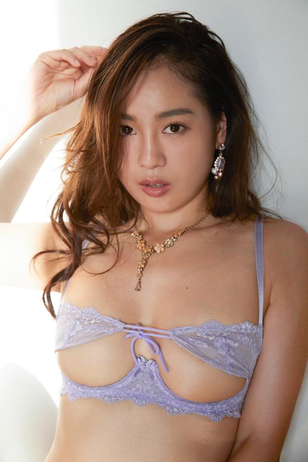 【中村エリカキャプ画像】三十路熟女からグラビアデビューとかチャレンジャーだなw 68