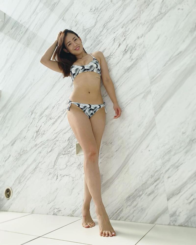 【中村エリカキャプ画像】三十路熟女からグラビアデビューとかチャレンジャーだなw 73