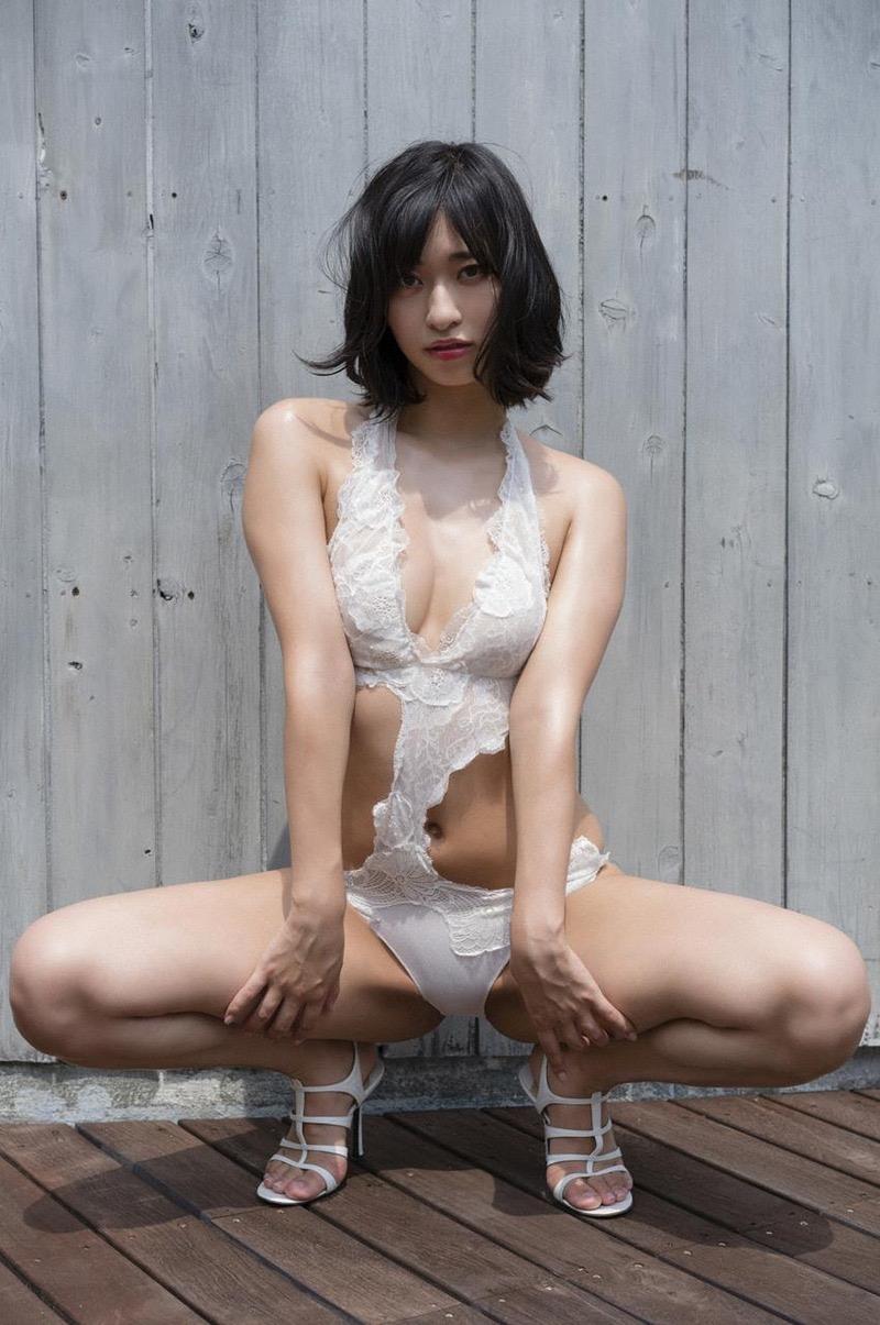 【Dカップグラドル画像】Dカップバストを持つグラビアアイドル達のエロ画像 48