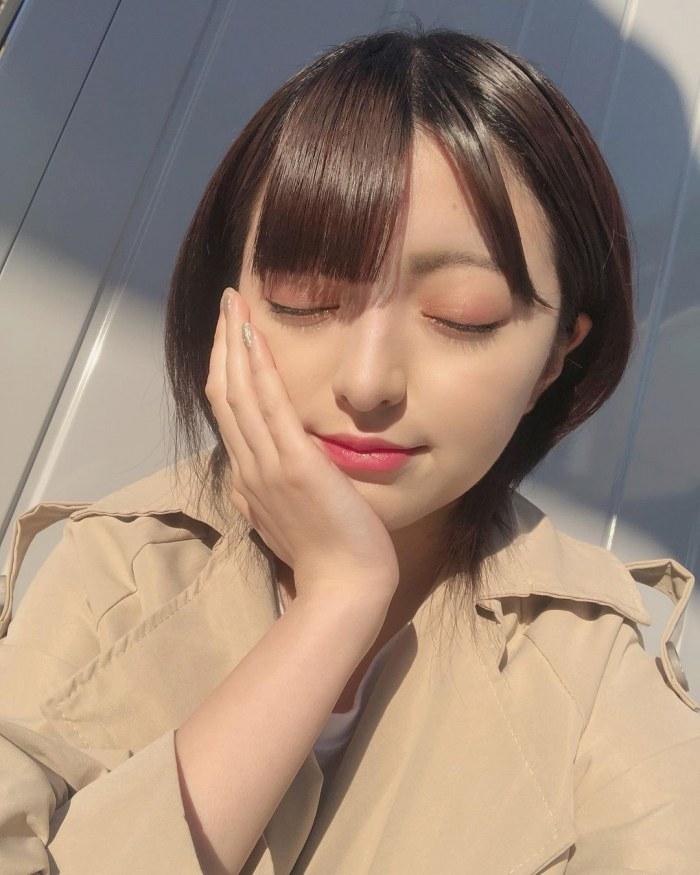 【佐藤七海お宝画像】谷間全開!初水着グラビアやアイドル時代の出演シーン 10
