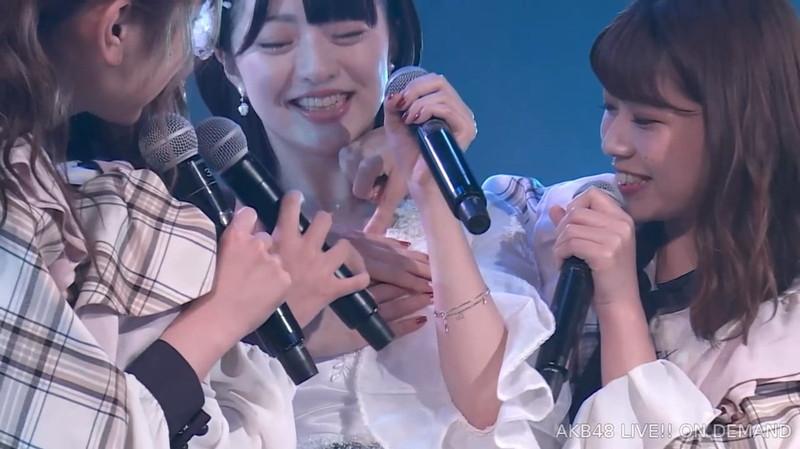【佐藤七海お宝画像】谷間全開!初水着グラビアやアイドル時代の出演シーン 18