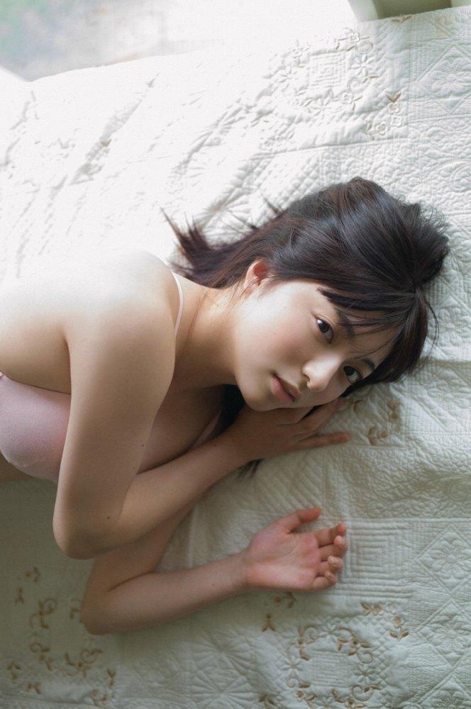 【佐藤七海お宝画像】谷間全開!初水着グラビアやアイドル時代の出演シーン 64