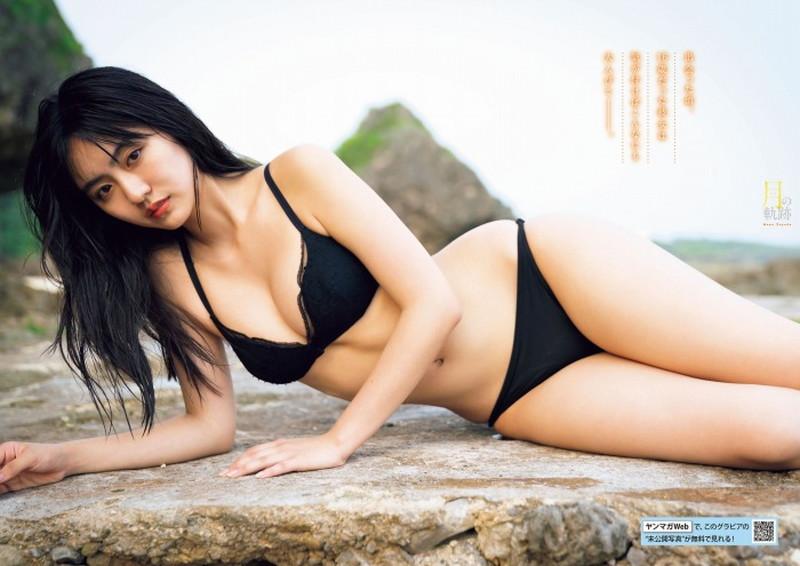 【豊田ルナグラビア画像】二次元的なボディラインが魅力の美少女グラドル