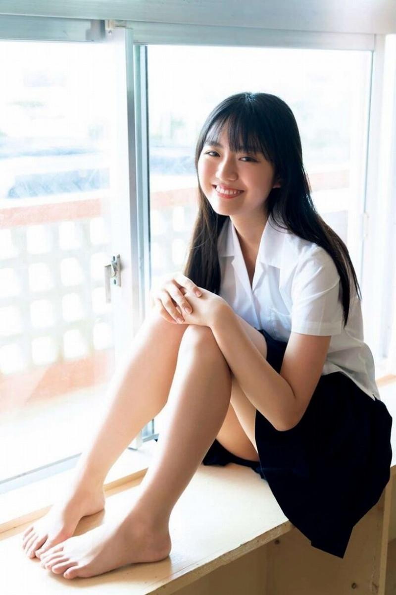 【豊田ルナグラビア画像】二次元的なボディラインが魅力の美少女グラドル 23
