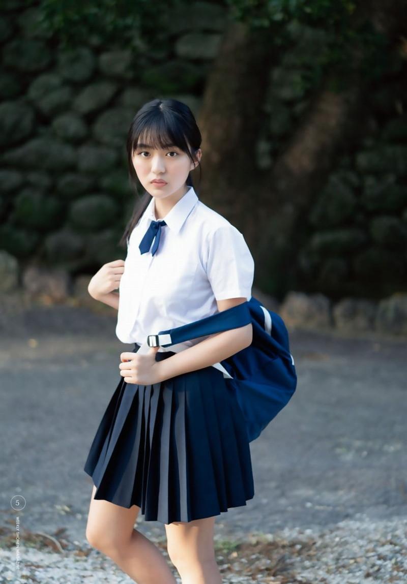 【豊田ルナグラビア画像】二次元的なボディラインが魅力の美少女グラドル 58