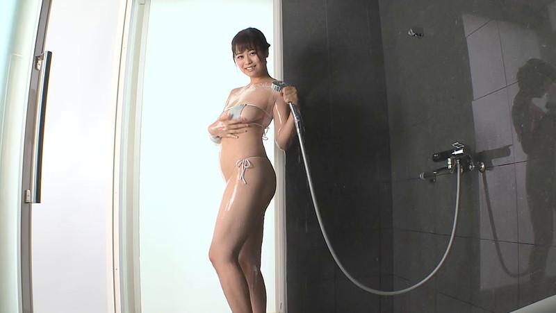 【遠藤いつきキャプ画像】水着の横からはみ出しそうなメートルバスト! 26