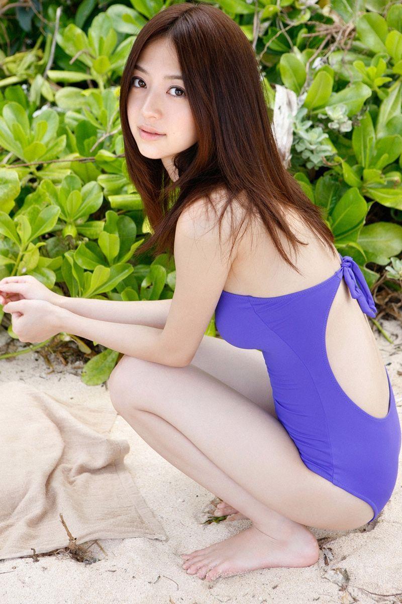【逢沢しずかグラビア画像】Eカップくびれボディを水着でたっぷり魅せつける! 22