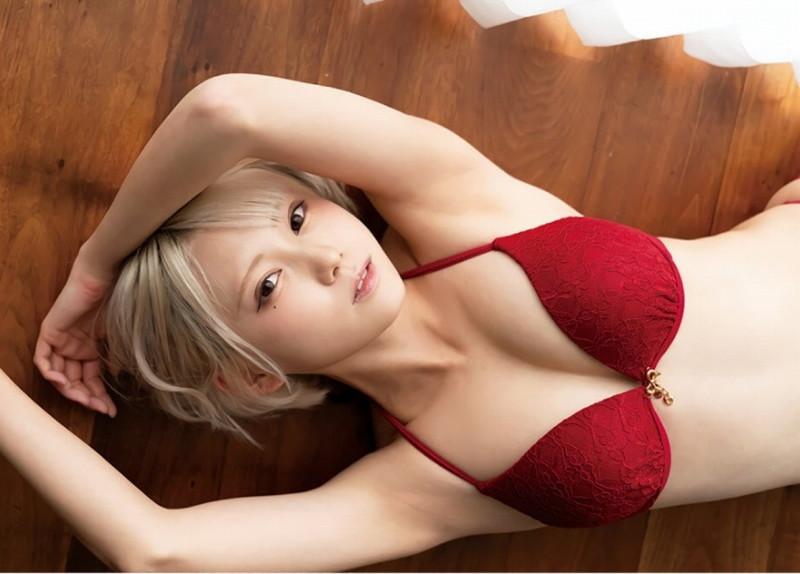 【篠崎こころグラビア画像】モデルにコスプレに女優とマルチに頑張ってる元アイドル 08