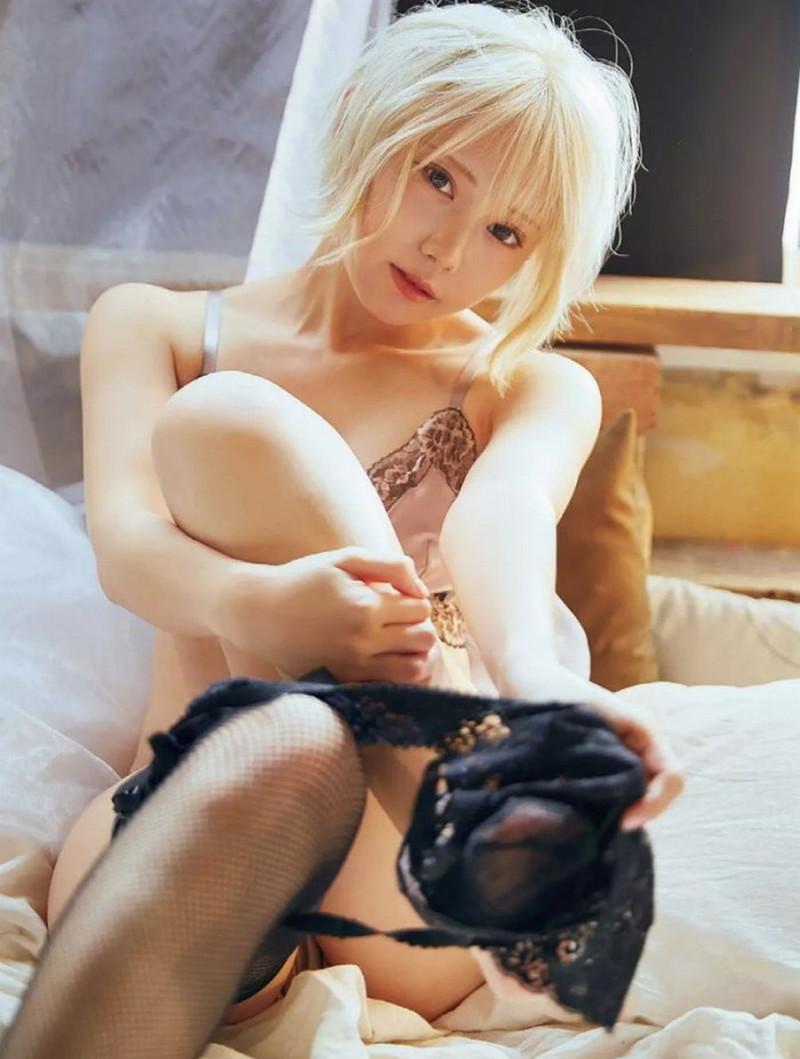 【篠崎こころグラビア画像】モデルにコスプレに女優とマルチに頑張ってる元アイドル 17