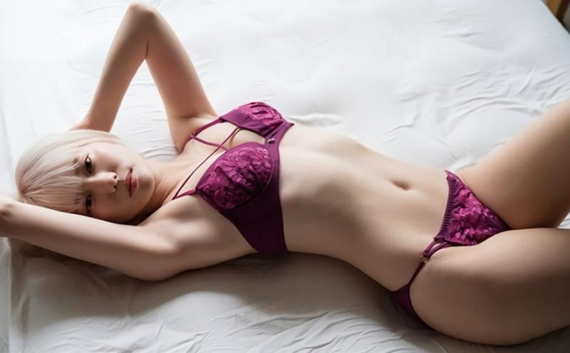 【篠崎こころグラビア画像】モデルにコスプレに女優とマルチに頑張ってる元アイドル 49