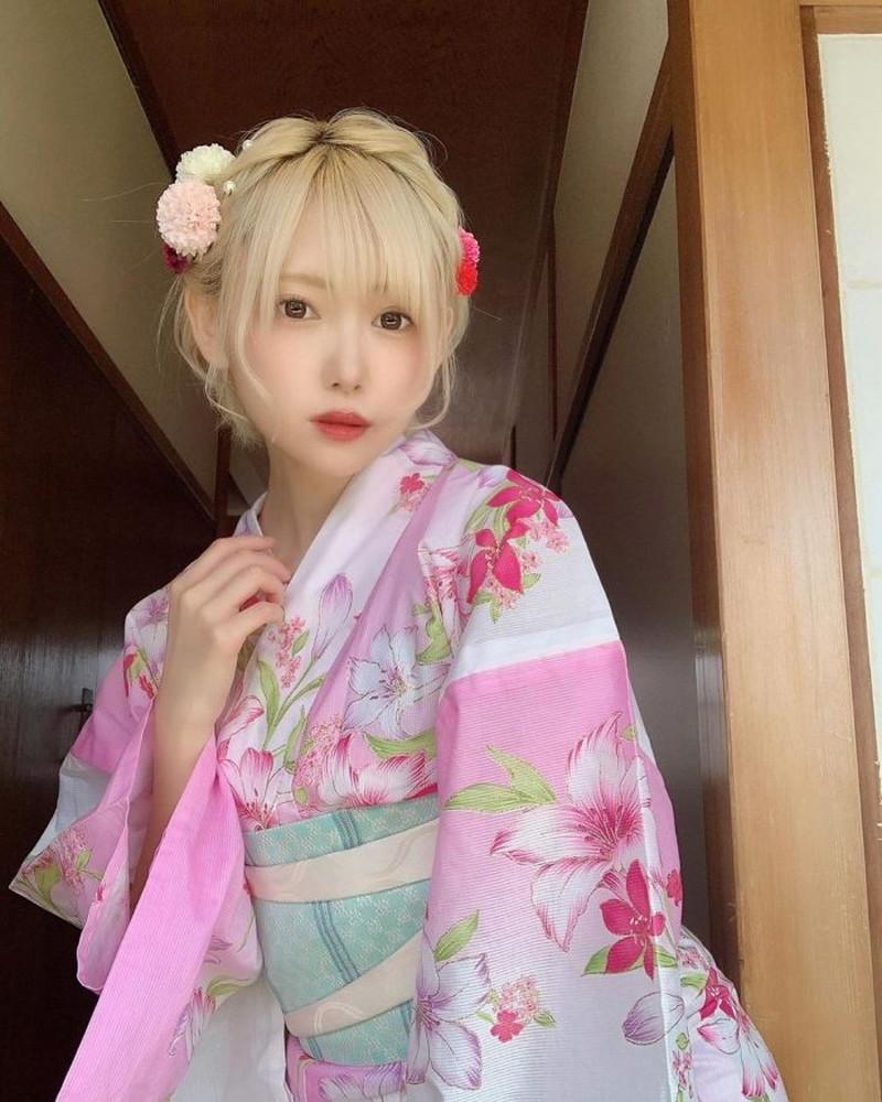 【篠崎こころグラビア画像】モデルにコスプレに女優とマルチに頑張ってる元アイドル 62