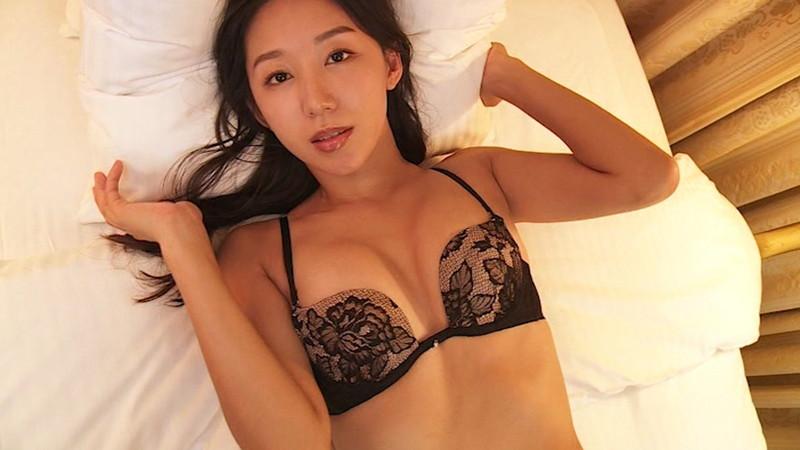 【澤山璃奈キャプ画像】熟女になっても引き締まったEカップくびれボディがエロい 59