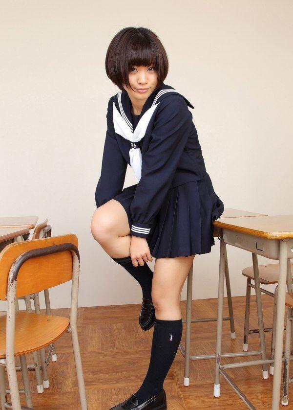 【安枝瞳グラビア画像】95cmもある大きく綺麗なお尻が最高過ぎる! 28