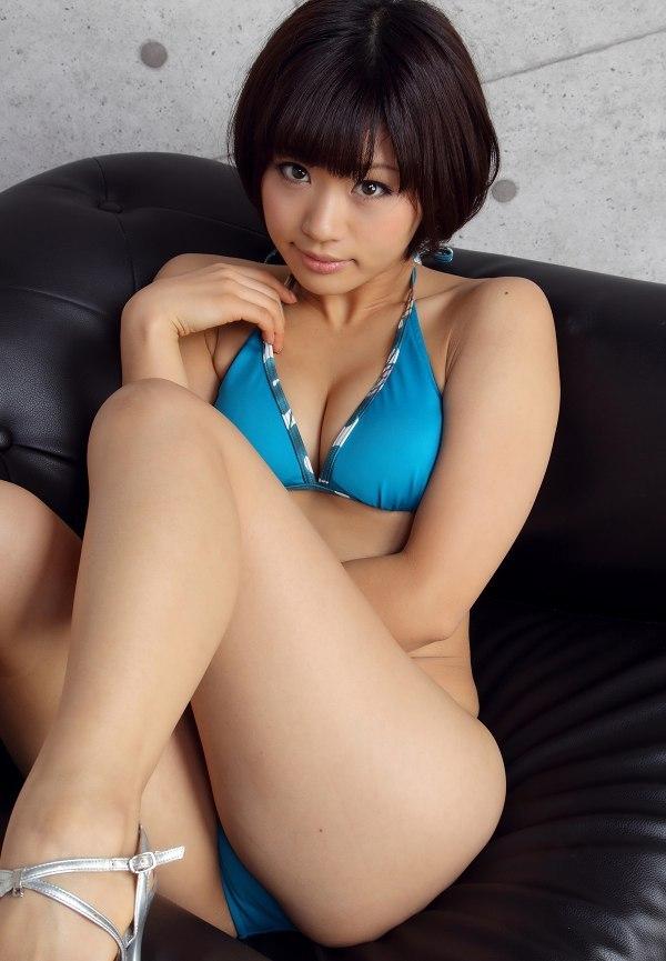 【安枝瞳グラビア画像】95cmもある大きく綺麗なお尻が最高過ぎる! 44
