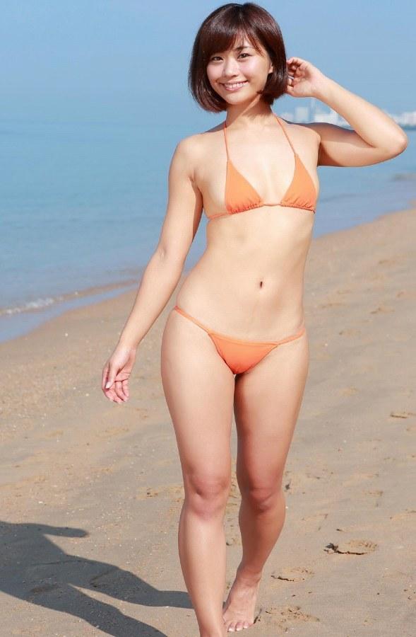 【安枝瞳グラビア画像】95cmもある大きく綺麗なお尻が最高過ぎる! 51