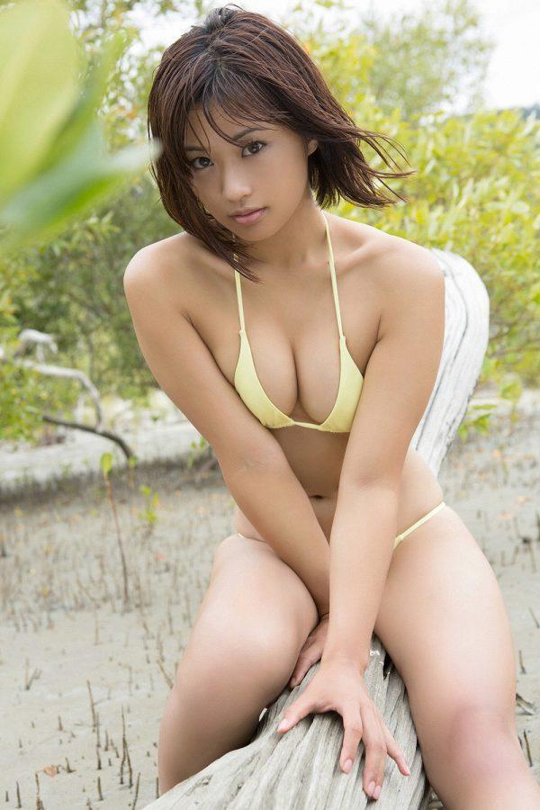 【安枝瞳グラビア画像】95cmもある大きく綺麗なお尻が最高過ぎる! 55
