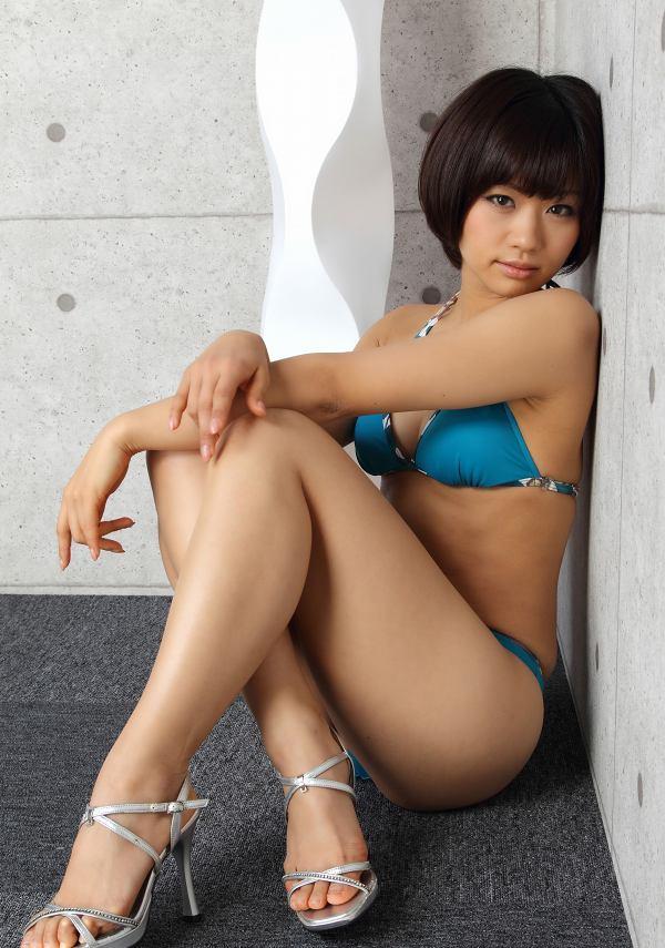 【安枝瞳グラビア画像】95cmもある大きく綺麗なお尻が最高過ぎる! 68