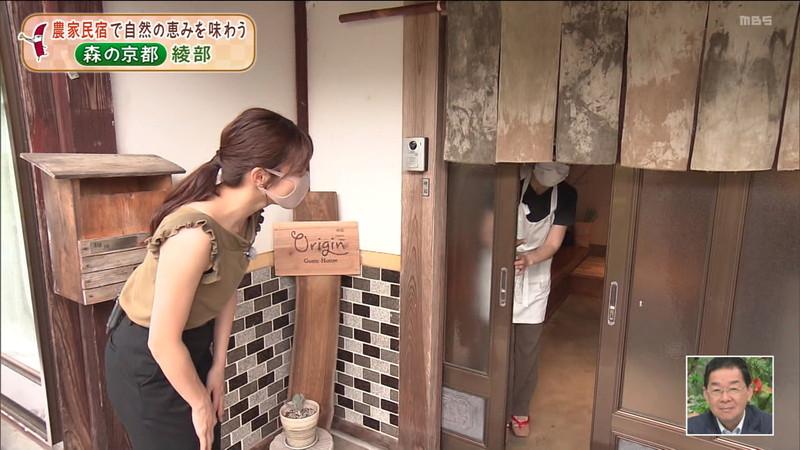 【清水麻椰キャプ画像】新人女子アナウンサーの着衣おっぱいとお尻! 56