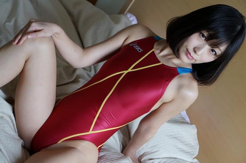【柚木しおりグラビア画像】股間を接写で大胆に見せてくれたハイレグ美女