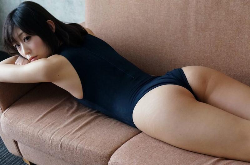 【柚木しおりグラビア画像】股間を接写で大胆に見せてくれたハイレグ美女 38