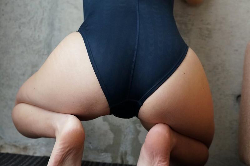【柚木しおりグラビア画像】股間を接写で大胆に見せてくれたハイレグ美女 42
