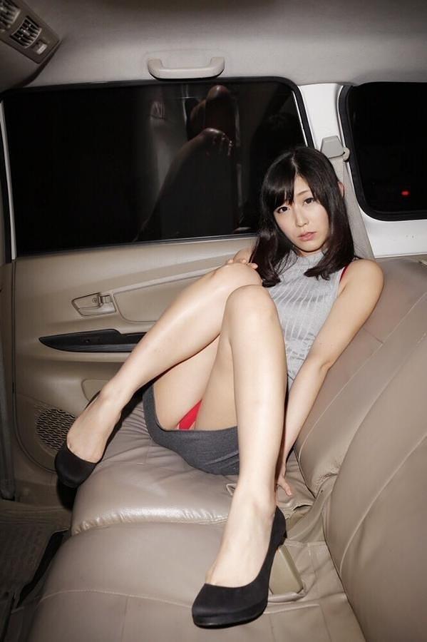 【柚木しおりグラビア画像】股間を接写で大胆に見せてくれたハイレグ美女 96