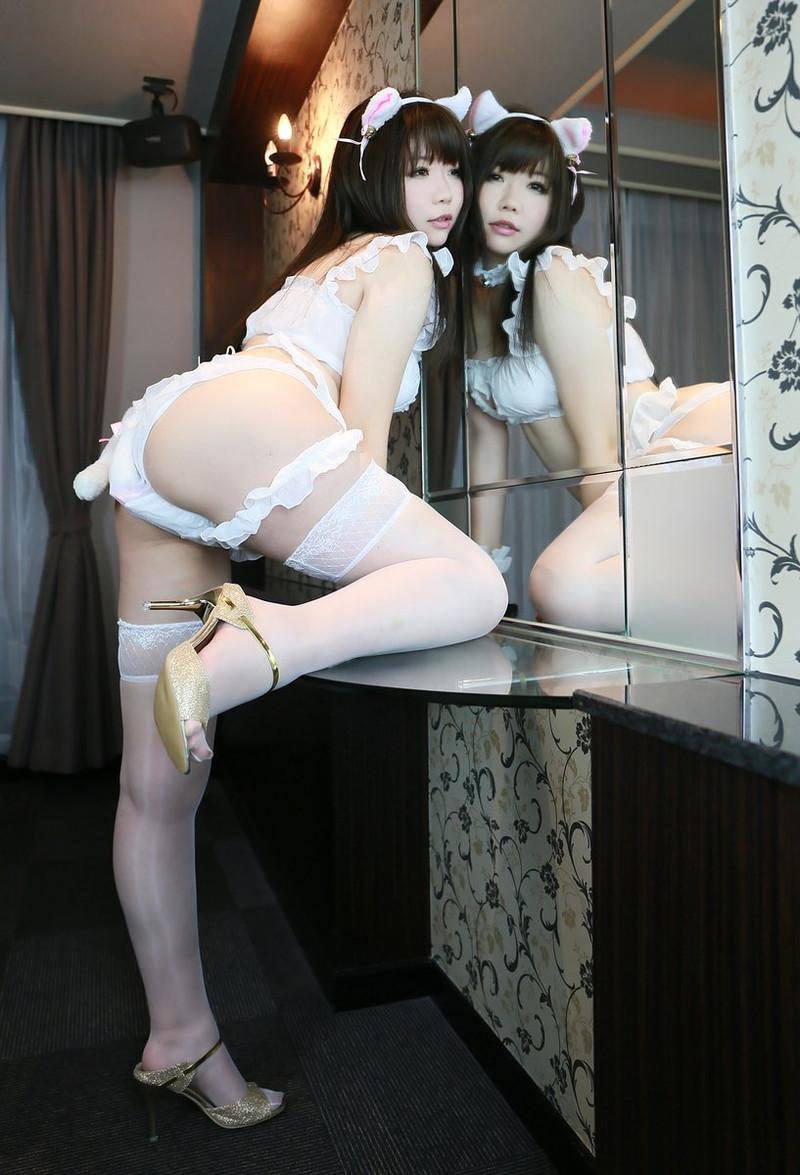 【コスプレエロ画像】猫の日に可愛くてエッチな姿をネットで見せちゃう女の子 64