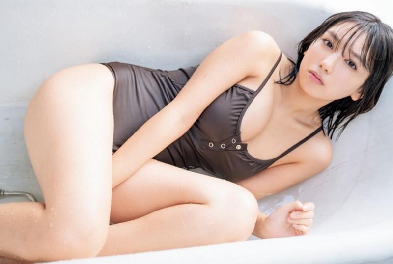 【沢口愛華グラビア画像】まだまだ現役女子高生のFカップ美少女グラドル