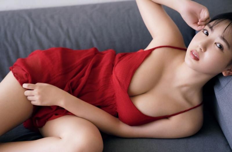 【沢口愛華グラビア画像】まだまだ現役女子高生のFカップ美少女グラドル 32