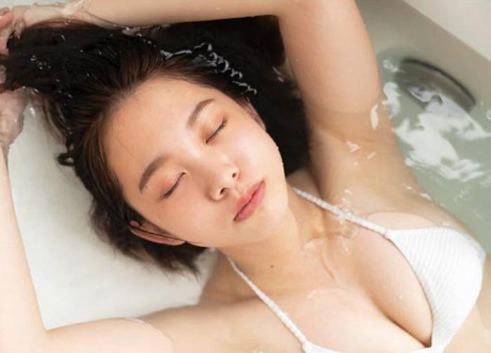 【新田あゆなグラビア画像】ショートカットが似合って可愛いミスコン美少女