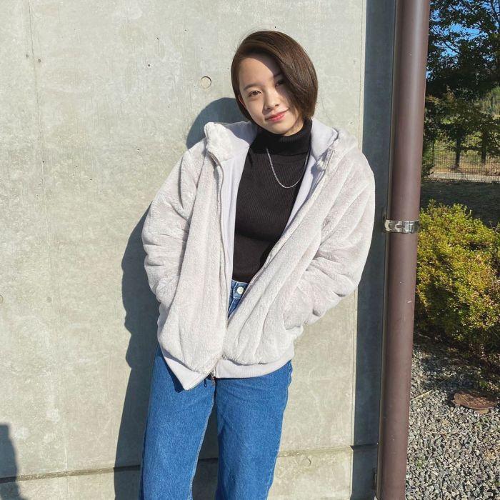【新田あゆなグラビア画像】ショートカットが似合って可愛いミスコン美少女 60