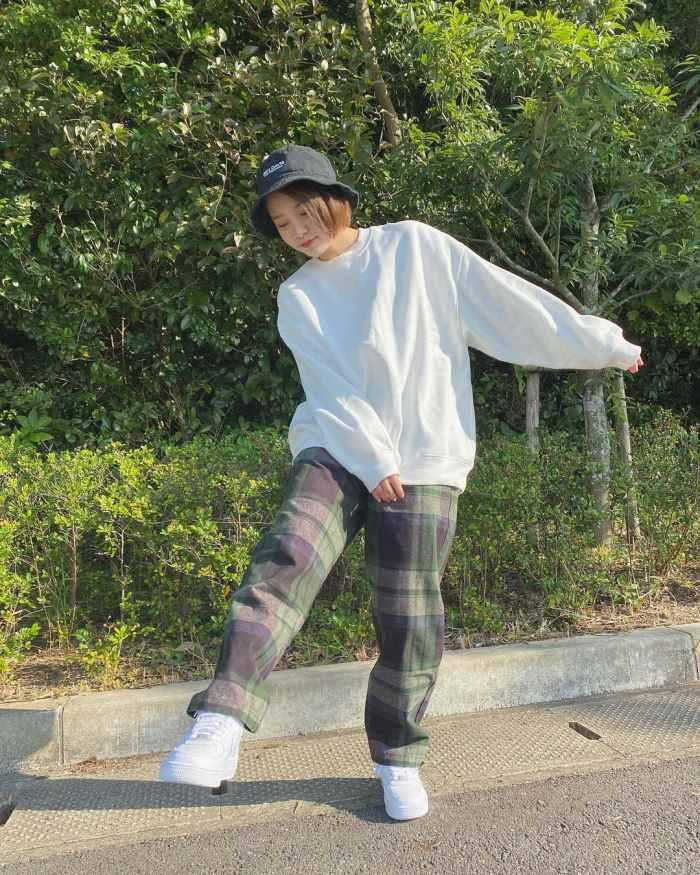 【新田あゆなグラビア画像】ショートカットが似合って可愛いミスコン美少女 63