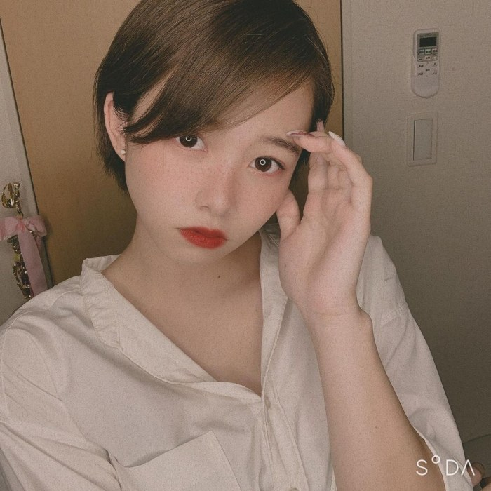 【新田あゆなグラビア画像】ショートカットが似合って可愛いミスコン美少女 72