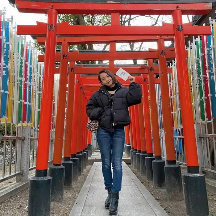 【新田あゆなグラビア画像】ショートカットが似合って可愛いミスコン美少女 77